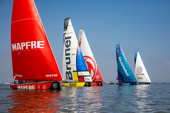 VOR: Dongfeng Race Team (CHN) had early lead as yachts set out for mainland Europe on penultimate Le