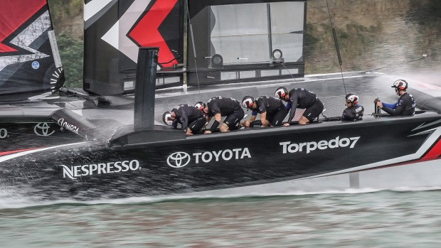Developing: Land Rover BAR collides with ETNZ during practice race