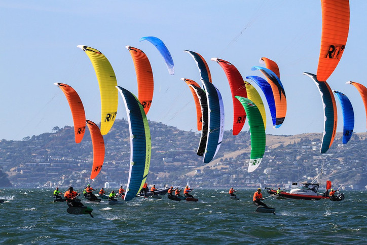 Hydrofoil Pro Tour: Parlier (FRA), Heineken (USA)  and Bridge (GBR) lead after a windy Day 1 on San