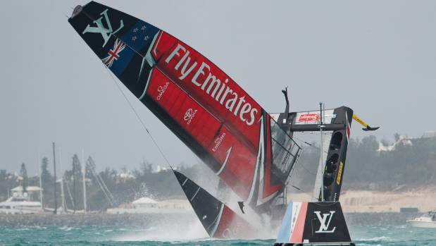 Daily Digest: Mapfre wins first VOR In-Port Race, Andy Claughton trashes AC50 cats as 'slave shi