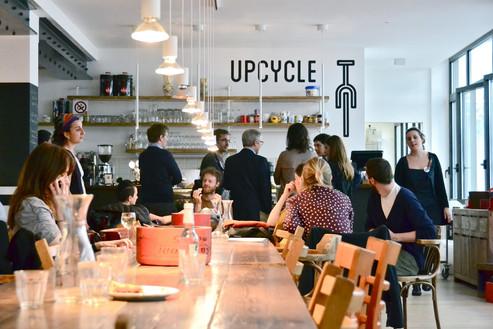 Bike bar: tra catene e tazzine