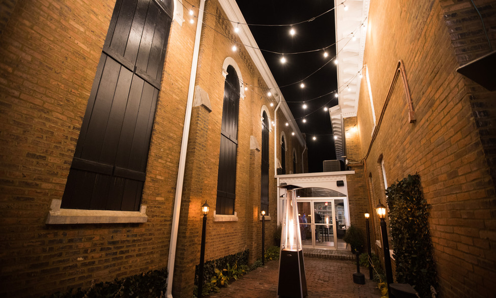 Uptown Social Courtyard