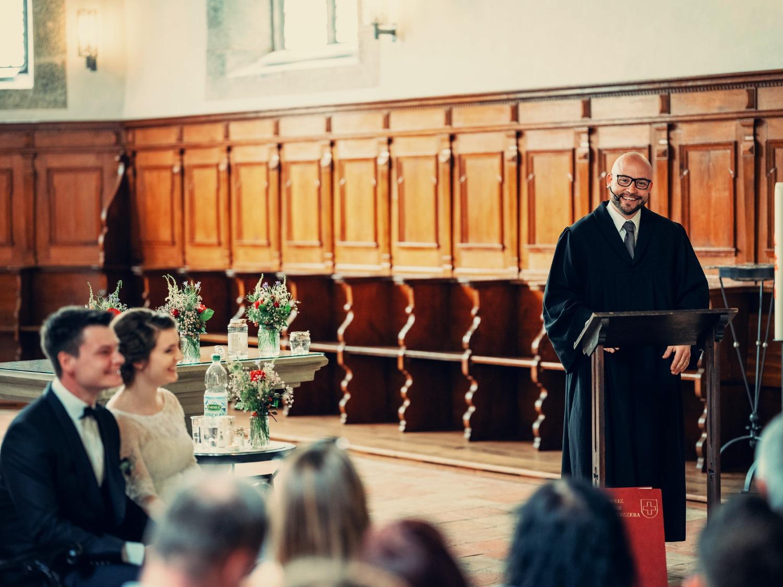 Trauung in einer Kirche