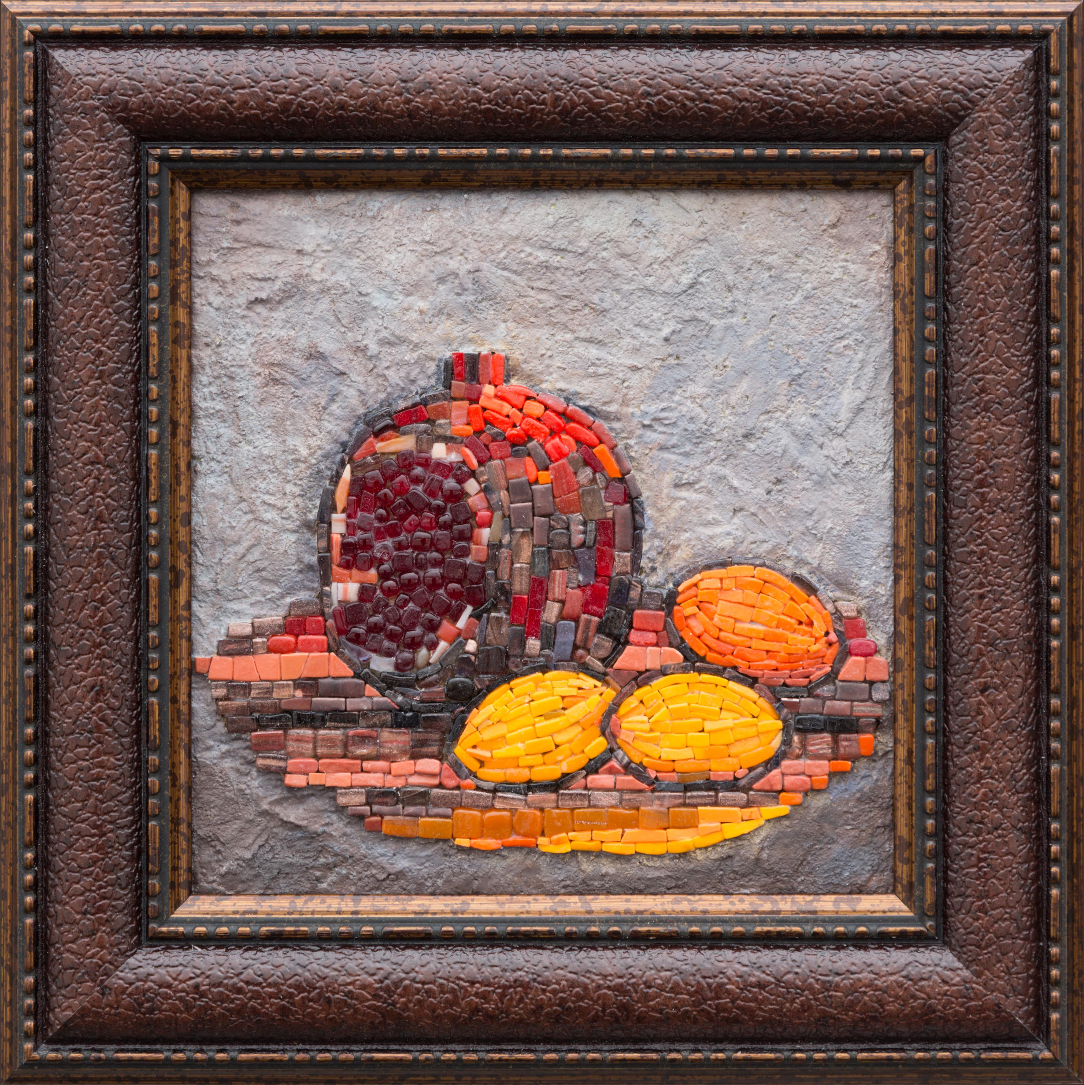 Гранат и абрикосы