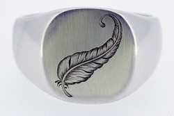 Signet-Ring-Feather