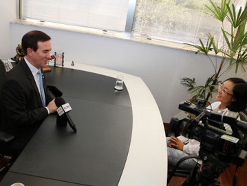 TV Chinesa entrevista Coronel Camilo sobre segurança