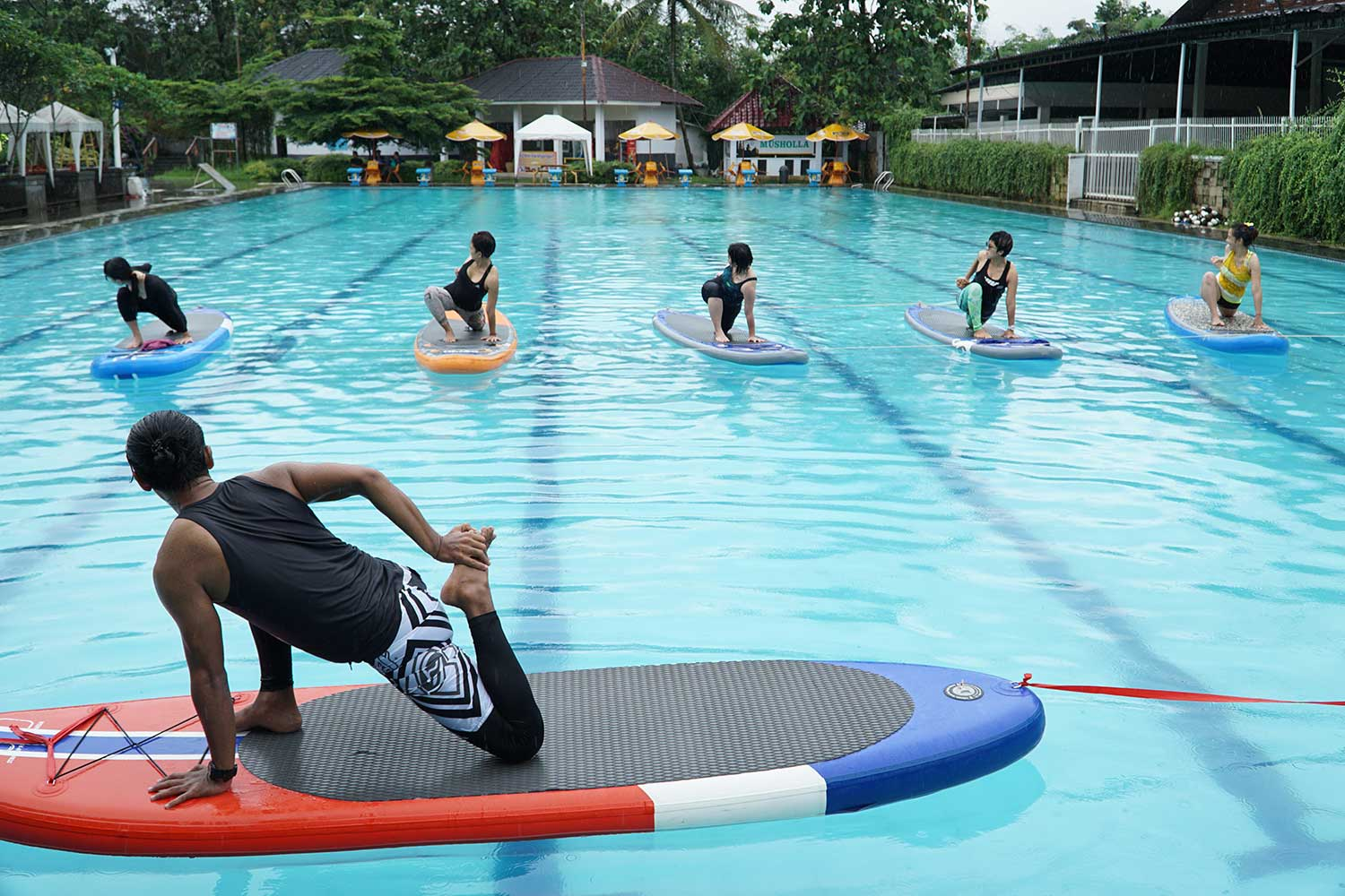 trip-yoga stand up paddle indonesia-even
