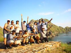 trip-team building-labuan bajo-sunset-ev