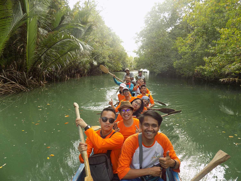 Trip dan team building-rhino camp-kano t
