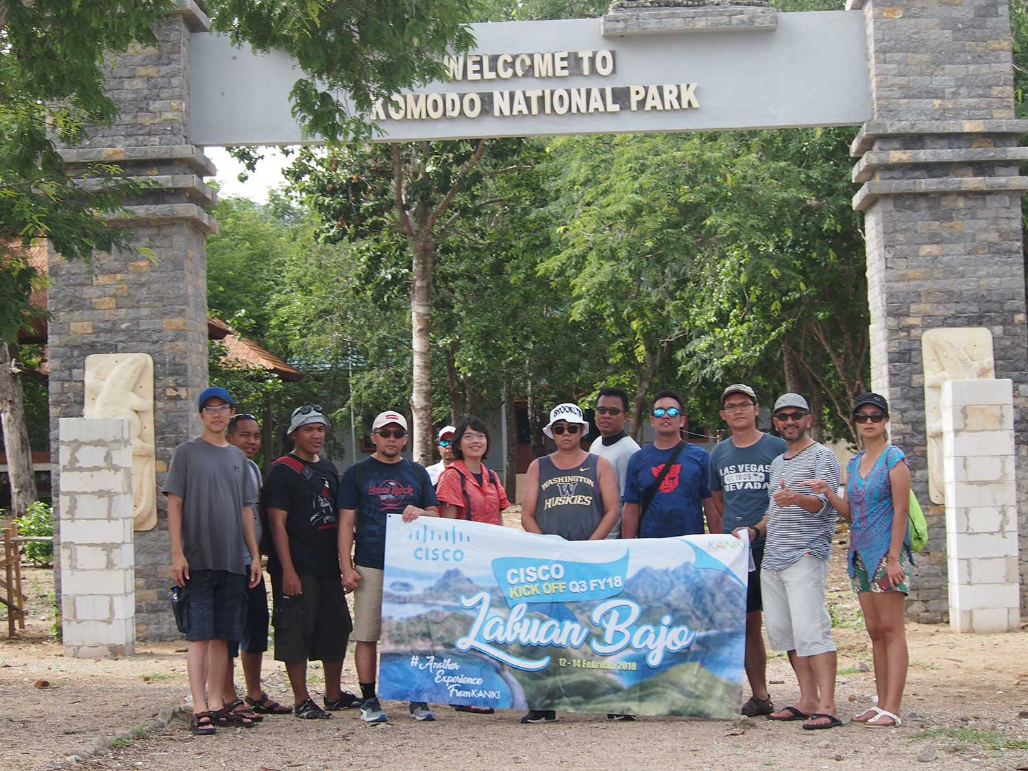 trip-team building-labuan bajo-komodo is