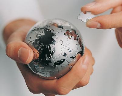 """Grupo Lusofin é especialista em Consultoria, Contabilidade e Fiscalidade,direccionada para empresas que desejam rigor,por forma aestarempreparadas para os desafios actuais.  Com uma equipa experiente e multidisciplinar,o Grupo Lusofin destaca-se por ummétodode trabalho rigorosoe sólido aliado ao """"know how"""", no apoio às várias vertentes do negócio, comum único objectivo,a suarentabilidade.  Desde 1994, anossa abordagem acada projectocaracteriza-seporumametodologiade análise das necessidades e objectivos.Orgulhamo-nos de continuar a proporcionar um serviço de proximidade, que nos permite conhecer melhor as necessidades individuais de cada cliente.lusofin.pt"""