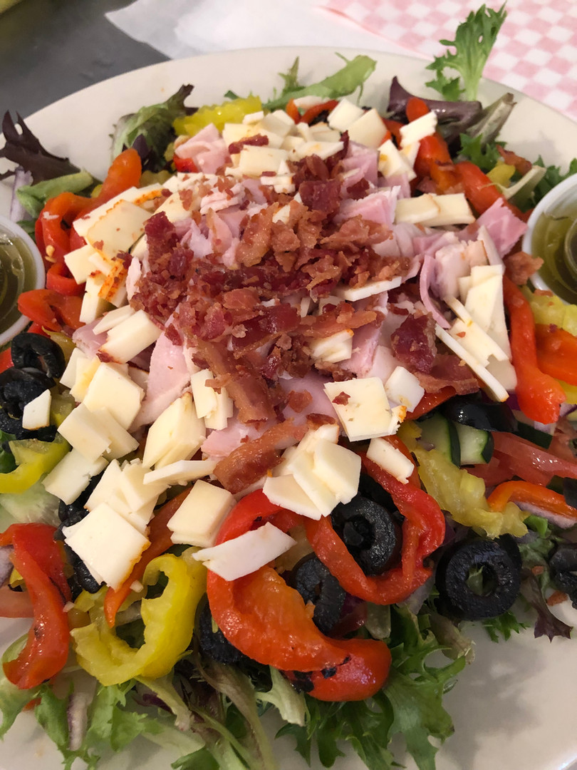 salad with peppers and cheese