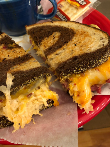 reuben sandwich on rye bread