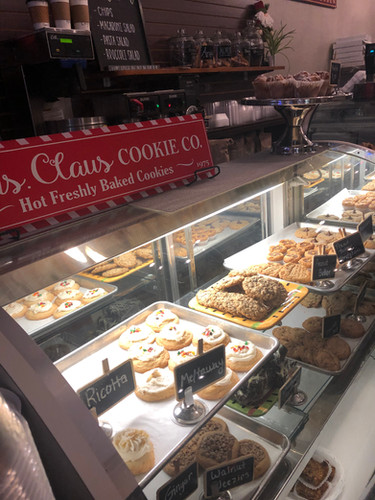 deli case with baked goods