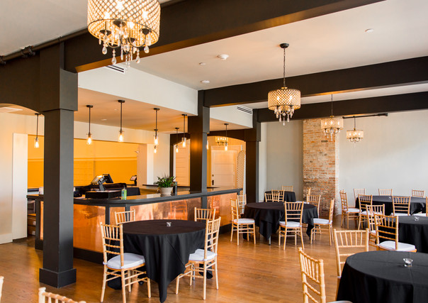 revel-32-wedding-venue-in-poughkeepsie-ny-photographed-by-little-but-fierce-photography-ll