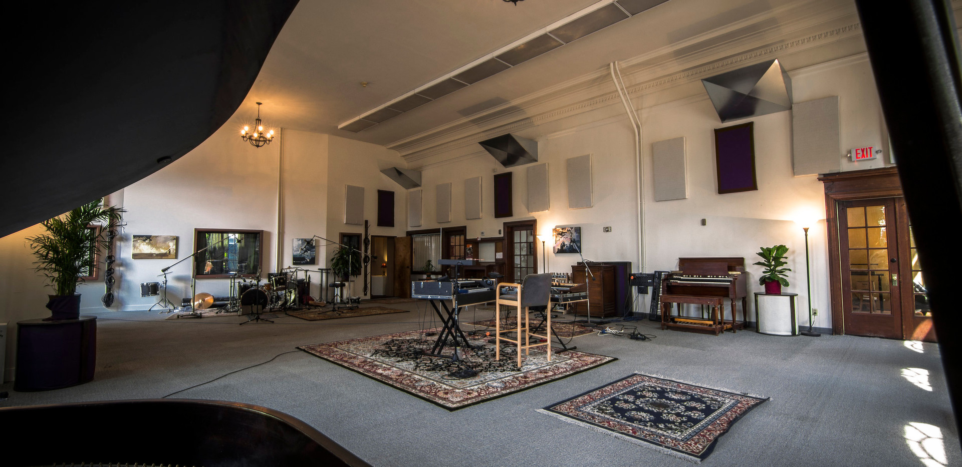 the-hallowed-halls-studio-a-live-room-2.