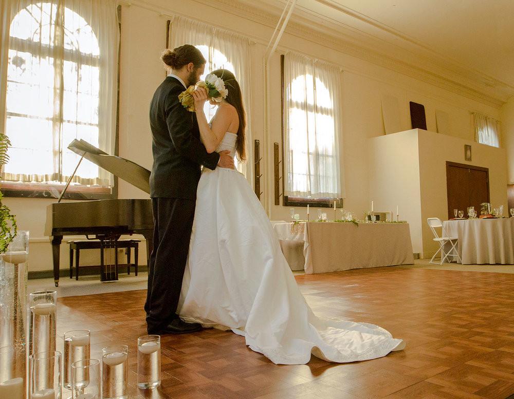 8-couple-dancing.jpg