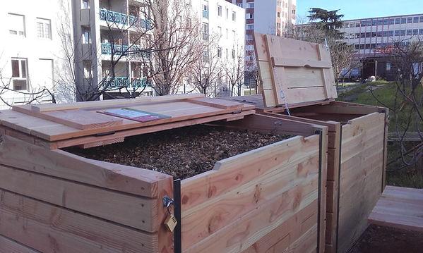 Nouveaux bacs de compost.JPG