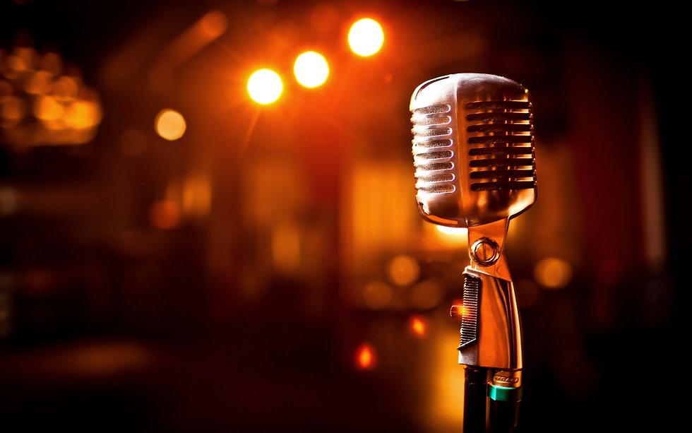 mikrofon-scena-svet.jpg