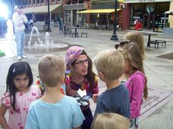 50_Director_talks_to_kids_@Fountain