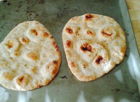 Easy Weeknight Naan Pizzas