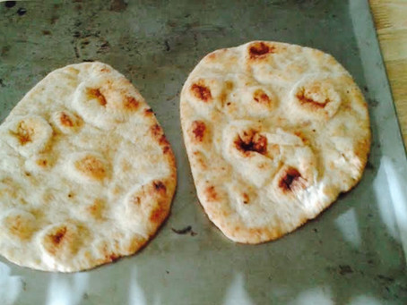 Easy Weeknight Naan Pizzas