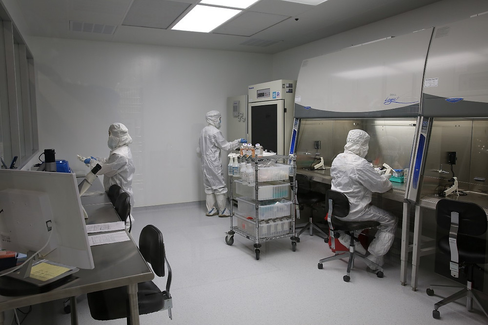 The inside of Hope Bio's Manufacturing lab where technicians isolate and culture your stem cells