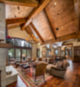 Traditional Colorado mountain home great room