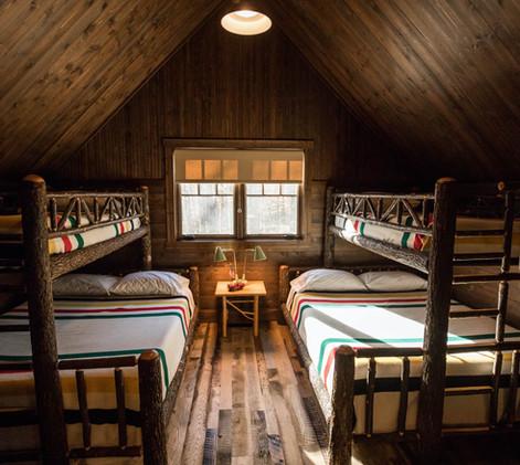 Vintage Cabin Bunk Guest Room