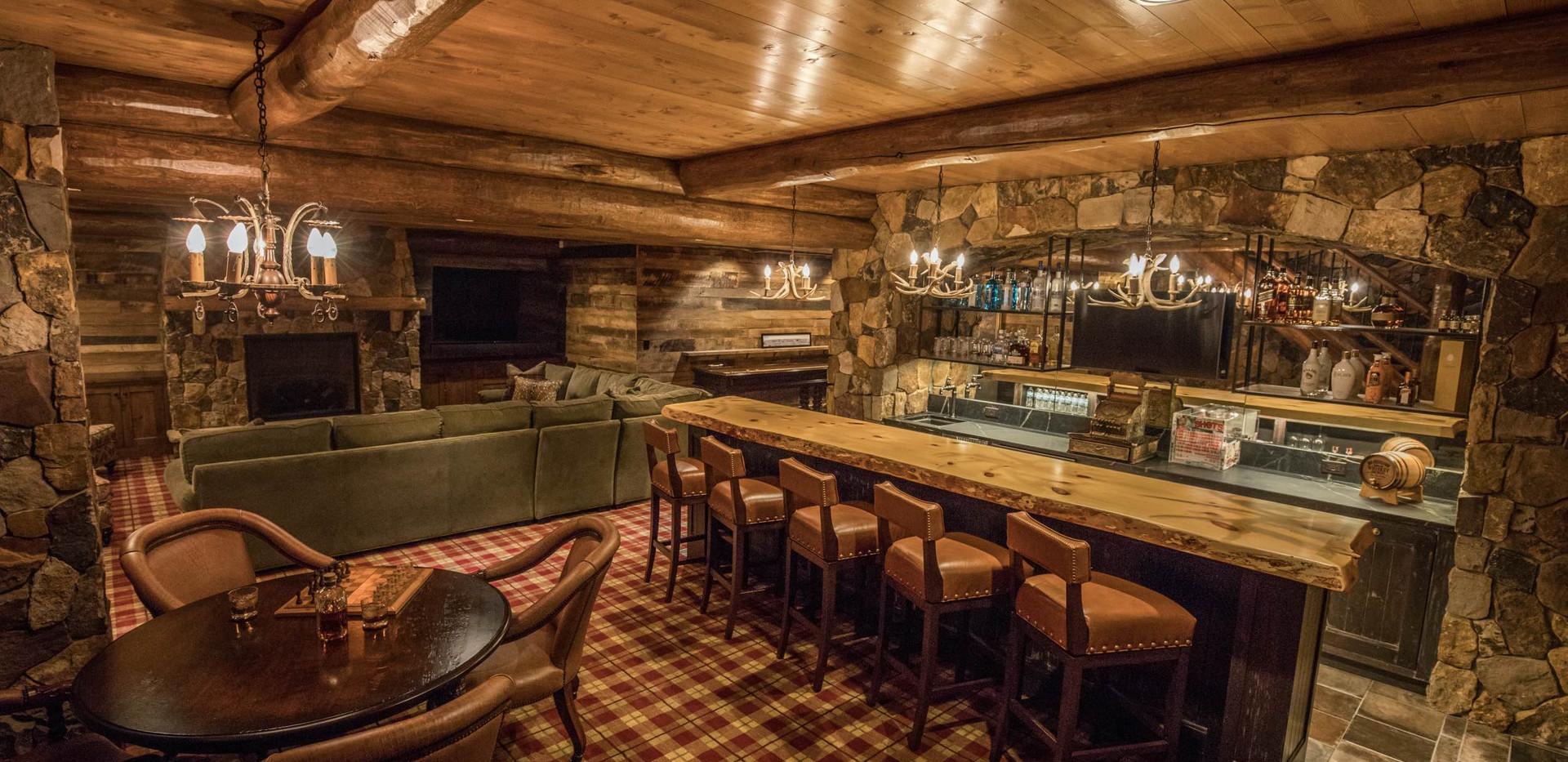 Traditional Log Home Lower Level Bar