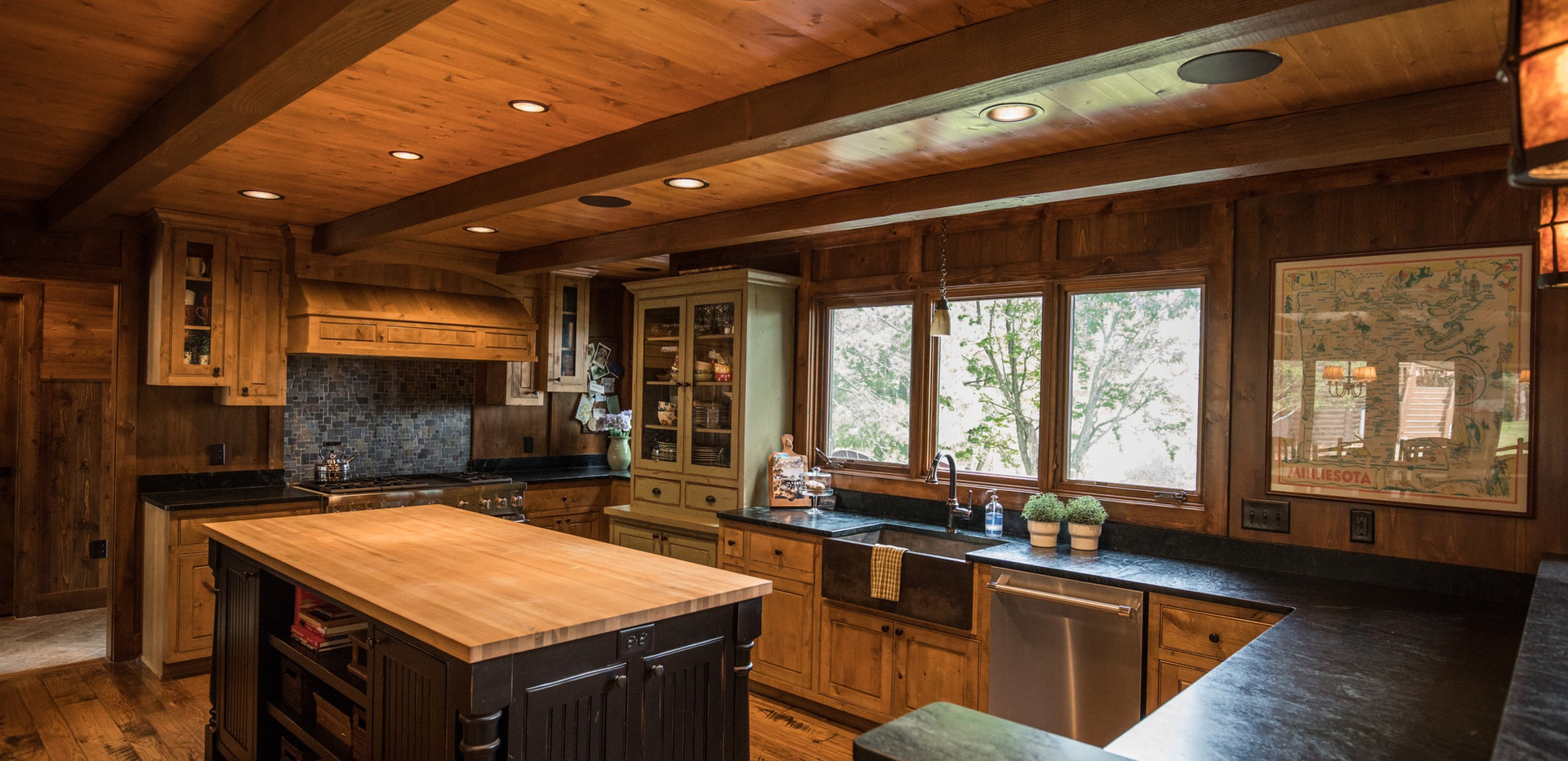 Traditional Cabin Chalet Kitchen