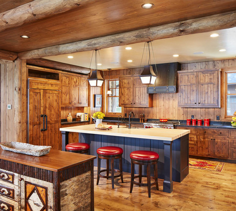 Traditional Lake Front Cabin Kitchen