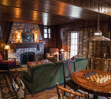 Vintage Cabin Family Room Seating