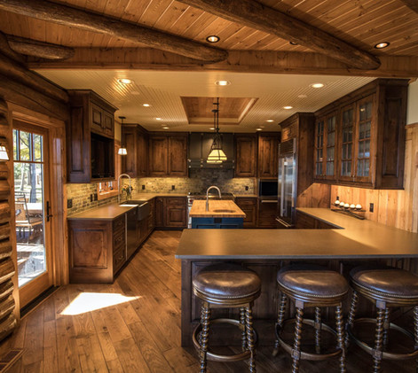 Traditional Log Home Kitchen