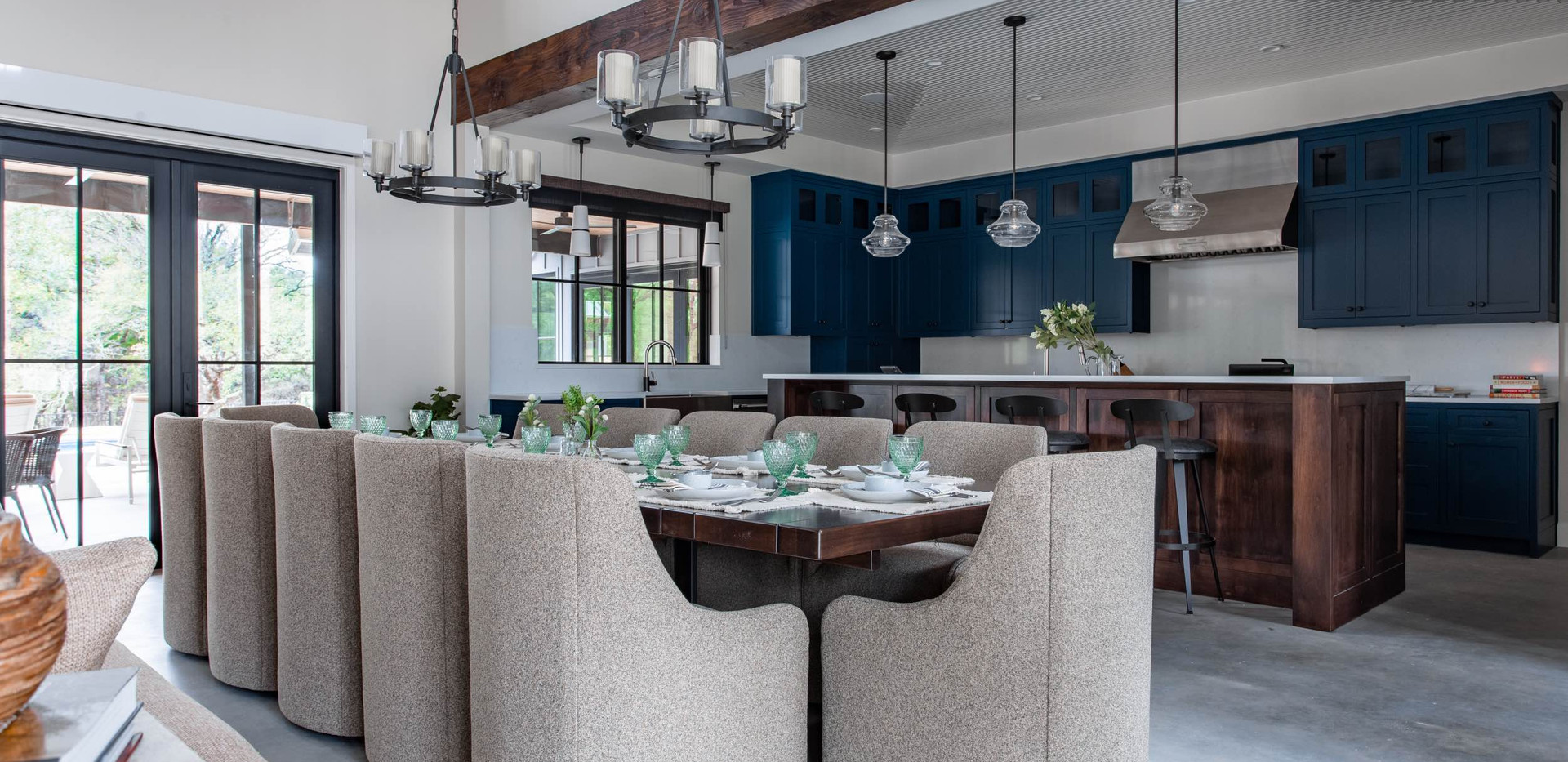 Contemporary farmhouse Dining Room