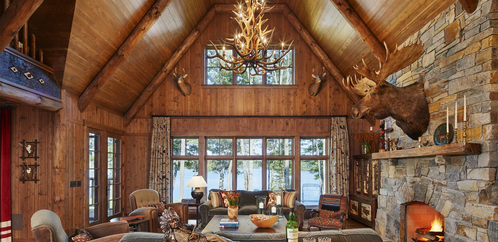 Traditional Cabin Grand Living Room