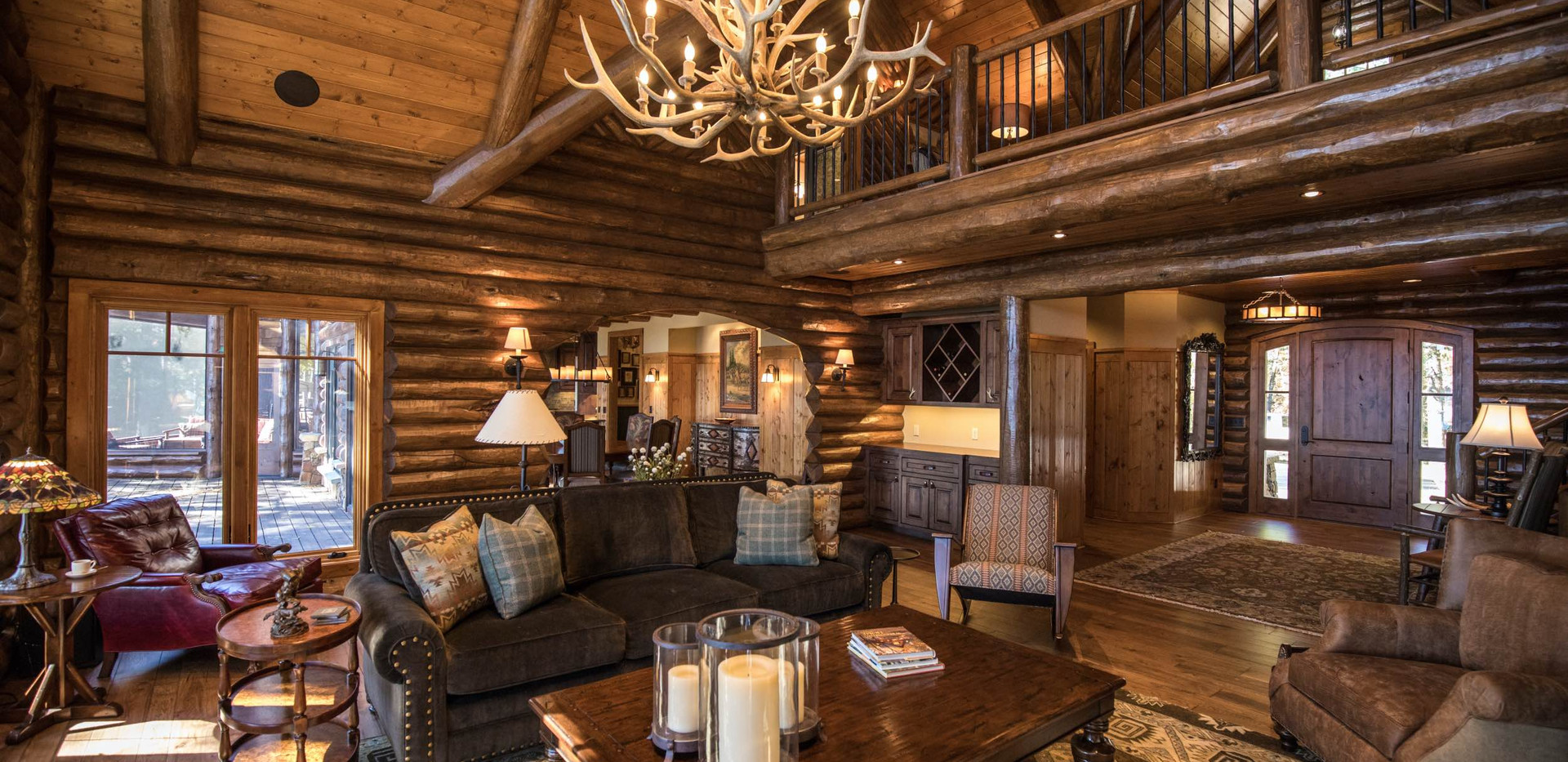 Traditional Log Construction Great Room