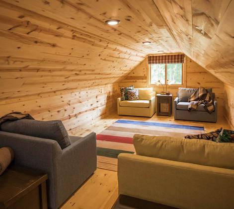 Contemporary Cabin Studio Sleeping Loft