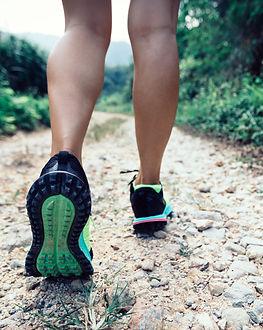 young-fitness-woman-trail-runner-legs-running-on-f-3PDQLFK.JPG