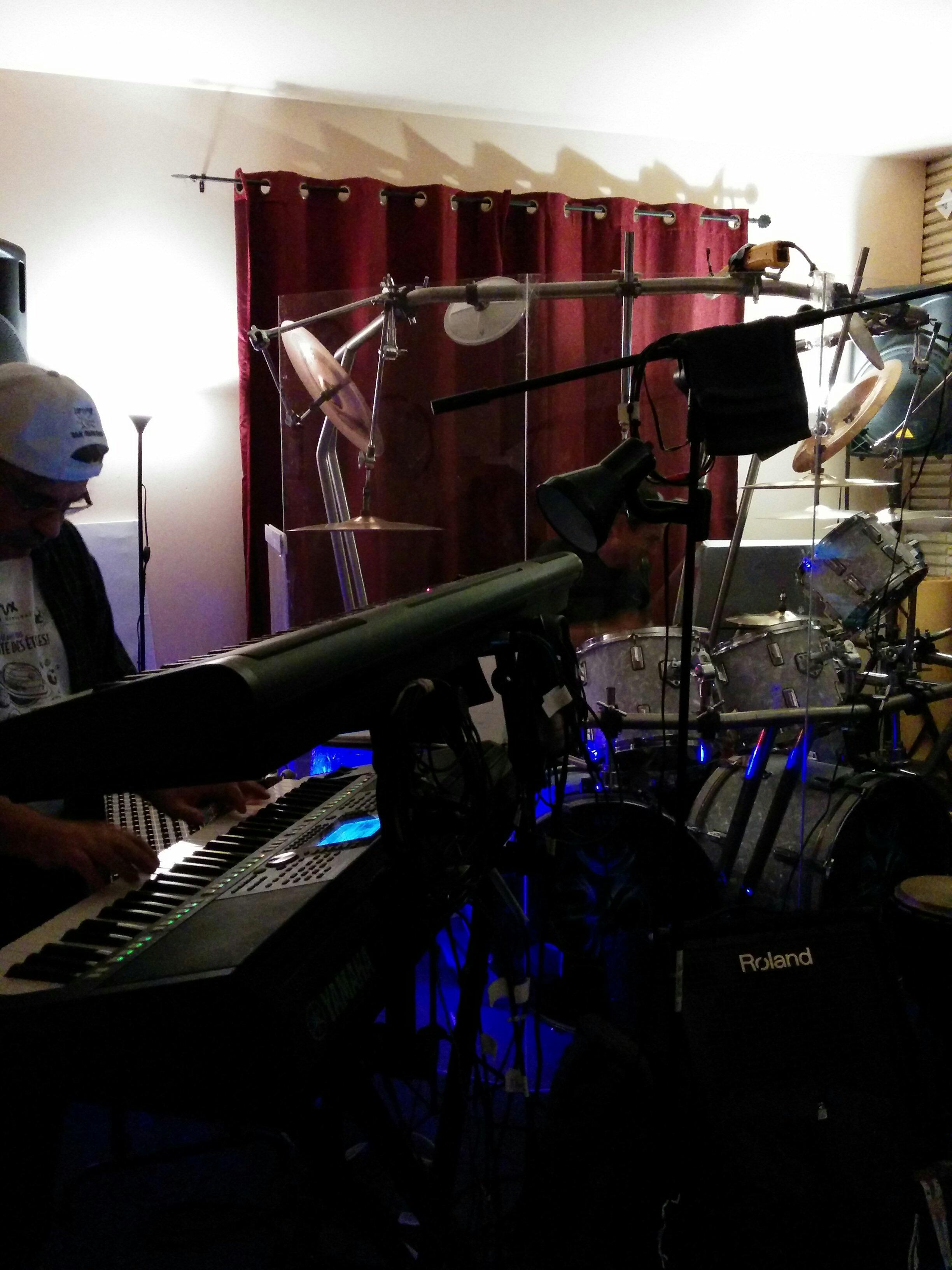 Claviers et drum