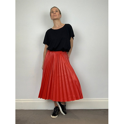 Pleated Faux Leather Skirt - Red