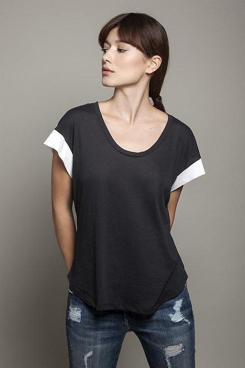 Round Neck Colour Block T-Shirt - Black