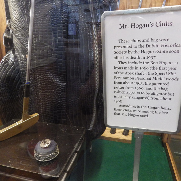 Sign explaining gift of clubs