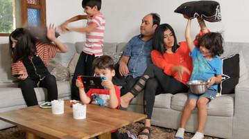 Los-bravo-comedia-web-foto-pelea-familia