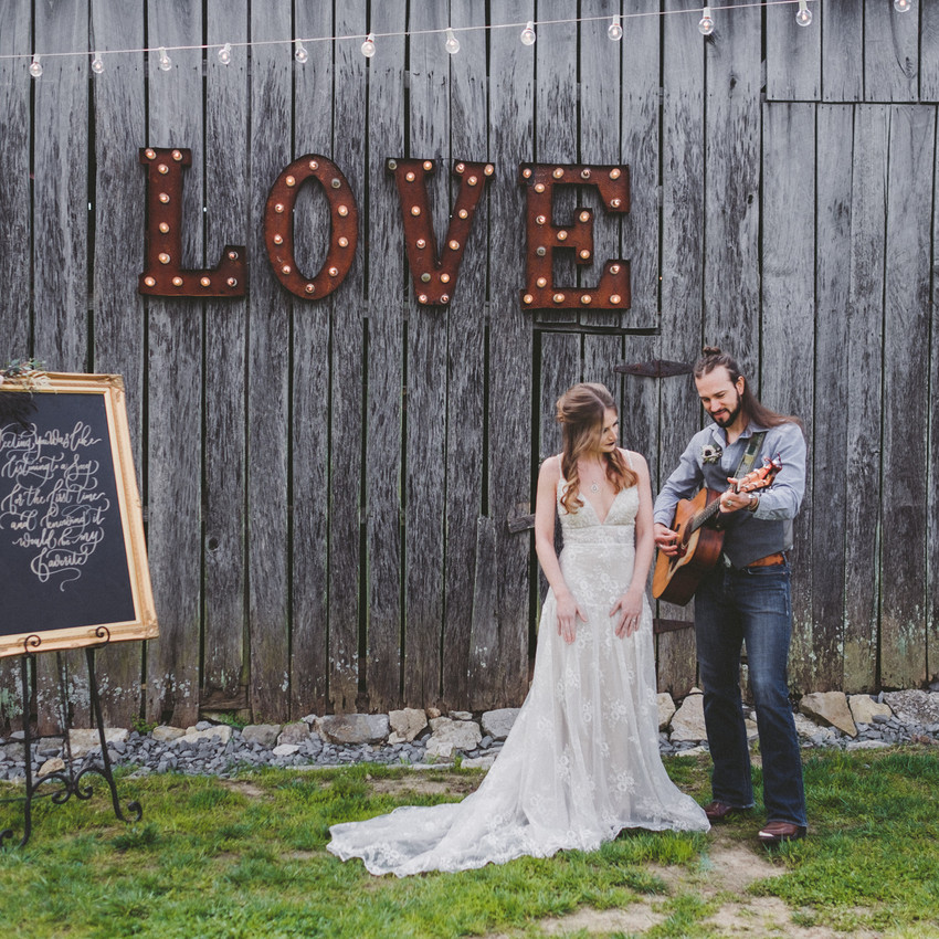 Venue: Drakewood Farm | Dress: Posh Bridal | Florals: Petals & Fields | Calligraphy: White Ink Calligraphy