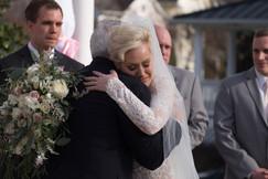 Bride_hugs_father