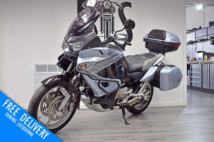 Used Honda XL1000V Varadero for sale northampton bike sanctuary front left.jpg