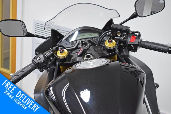 Used Honda CBR600F for sale Northampton Bike Sanctuary clocks dials tank.jpg