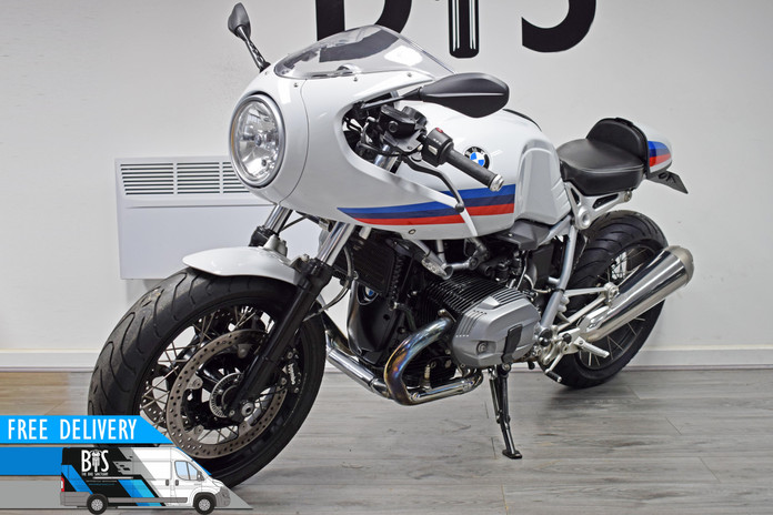 Used BMW R9T Racer for sale Northampton Bike Sanctuary front left.jpg