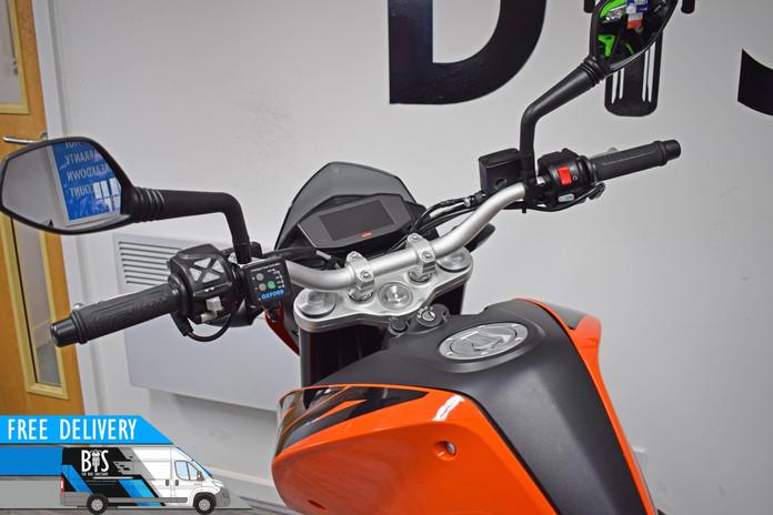 Used KTM 690 Duke for sale northampton bike sanctuary tft dash clocks tank.jpg